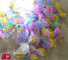 Juice Pingback: 25 Adorable Easter Wreath Ideas We Can't Wait For You To Try – A Luxury Bed – Silk Sheets Bedspreads Luxury Bedding easter decorating Easy Easter Wreath - using dollar store items Mesh Wreath Tutorial, Diy Wreath, Wreath Crafts, Wreath Ideas, Fabric Wreath, Wreath Making, Burlap Wreath, Easter Wreaths, Holiday Wreaths