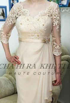 chahira haute couture Mother Of Bride Outfits, Mothers Dresses, Myanmar Traditional Dress, Traditional Dresses, Gala Dresses, Evening Dresses, Elegant Dresses, Beautiful Dresses, Kebaya Dress