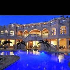 Huge Houses With Pools