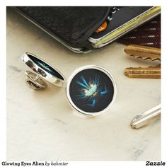 Glowing Eyes Alien Lapel Pin