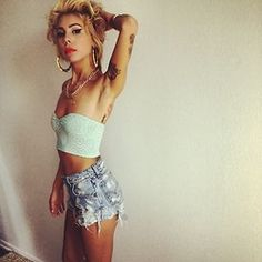 Lil Debbie. Love this bitches style. So 90s