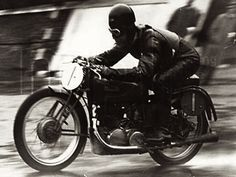 Benelli---Mellors in '39; wet conditions at the Isle of Man dampened speeds