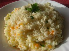 Soffritto: Očištěnou cibuli, mrkev a řapíkatý celer nakrájíme na kousky a pak nastrouháme (ale lépe to jde v takovém tom sekáčku u mixéru =... Grains, Recipes, Food, Recipies, Essen, Meals, Ripped Recipes, Seeds, Yemek