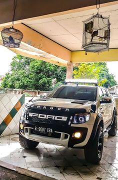 This Ford Truck Modifications Just Blow My Mind - Audi Photos Ford Trucks, Ford Ranger Truck, Ford Ranger Raptor, Ford Raptor, Diesel Trucks, Big Trucks, Pickup Trucks, Lifted Trucks, Lifted Ford