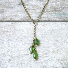 Collier pierres fines, perles de Tsavorite ou Grenat vert sur chaîne couleur bronze - Idée cadeau bijou : Collier par joaty