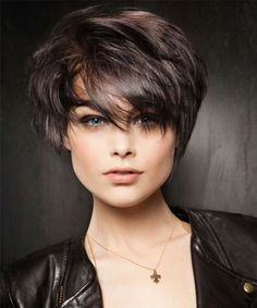 67 Pixie Hairstyles and Haircuts in 2019 - Hairstyles Trends Trending Hairstyles, Pixie Hairstyles, Short Hair Trends, Short Hair Styles, Long Brown Hair, Short Wigs, Womens Wigs, Hair Lengths, Hair Cuts