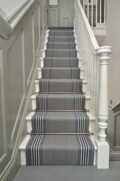 flatweave stair runners Off The Loom - Berwick 6 flatweave stair runners with Bowloom co-ordinating wool carpet Staircase Carpet Runner, Stairway Carpet, Hallway Carpet, Hallway Flooring, Carpet Runners For Stairs, Carpet On Stairs, Stair Carpet Rods, Striped Carpet Stairs, Bedroom Carpet