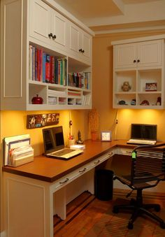 Home Office Design Ideas - A clean workspace is key to having an uncluttered mind and a great way to foster productivity. Here are seven helpful tips to organize your office. Office Nook, Home Office Space, Home Office Design, Home Office Decor, House Design, Home Decor, Office Designs, Small Office, Family Office