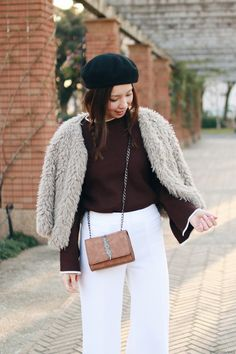 Japanese Fashion Blogger,Mizuho K,0107,OOTD,RoseGal-Brown flare sleeve oversize sweater,Michael Kors-white wide leg pants from Farfetch,SheIn-Brown Pumps,faux fur jacket,Newchic-Brown crossbody,Black beret, simple casual chic style