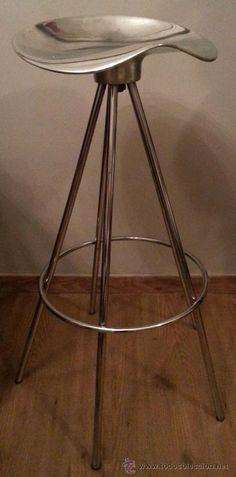 Taburete en aluminio pulido, diseño de Pepe Cortés para AMAT, años 70, 125 € (hay 6 disponibles)