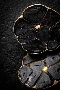 Black Aomori garlic