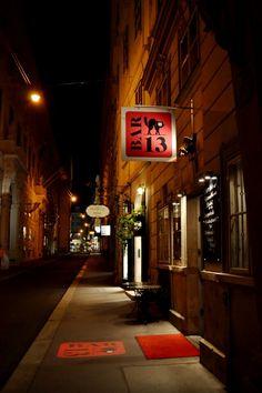 Vienna, Bar 13