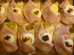 recepty-fotky.chytrazena.cz Wedding Appetizers, International Recipes, Finger Foods, Sushi, Good Food, Entertaining, Snacks, Ethnic Recipes, Appetizers