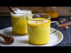 Today I want to share my favourite Collagen Tumeric Latte recipe (not pictured above) 1 scoop of collagen protein powder teaspoon of Tumeric powder Add either a cup of hot milk of your choice dash of cinnamon honey or stevia to taste . Turmeric Golden Milk, Turmeric Spice, Fresh Turmeric, Tumeric Latte, Fresh Ginger, Healthy Juices, Healthy Drinks, Healthy Recipes, Healthy Detox