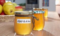 Quitten Apfel Marmelade – Sweets & Lifestyle® - New ideas Jam Recipes, Canning Recipes, Chutneys, Healthy Eating Tips, Healthy Nutrition, Quince Jelly, Marmalade Recipe, Jam And Jelly, Vegetable Drinks