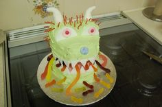 Pirates & Forts and Green Monsters & Worms….Birthday Cakes!