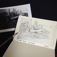 bluebeltaドイツに赴任中の友人がドルニエ博物館で見つけた写真を元に描きました。  ほぼ出来上がり。  右の文字はサン=テグジュペリの「人間の土地」の冒頭のフレーズ「僕ら人間に大地が多くを教える」をフランス語の筆記体で。  スペル合ってるかな?  この絵はグリッドも引かず、ごくカンタンなアタリだけで、ざざっと描いています。  それができるのはモデルが写真で、しかも手がかりが多いから、とても描きやすいのです。  写真を見て描くのをオススメしない先生もいらっしゃいますが、私は初心者は写真を見て描いても良いのではと思っています。  写真はすでに2次元なので、2次元の絵にしやすいから。  3次元のものを2次元にするよりずっと楽。  まずは楽に描いてみて、「できる!」とか「楽しい!」という気分を味わってから実物のモデルに取り組んでもいいんじゃないかしら。  私は先生に、達成感を味わうことから絵を教わりました。  6月の大阪でのイラスト教室は写真、モデル、どちらも使います。 その2つの「見え方」の違いも体験してね。  #coloredpencil #fabercastell…