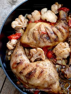 Cauliflower dish with chicken thighs and cook leeks ~ maniac Cauliflower Dishes, Romanian Food, Chicken Thighs, My Recipes, Good Food, Meat, Cooking, Jamie Oliver, Delicious Food