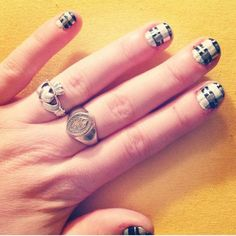 An interesting take on plaid: | 10 Easy And Adorable DIY Manicures