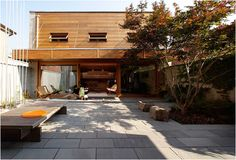 I want a courtyard, which can be the center of living during warmer  months