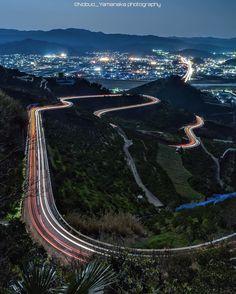 . Location : #千葉山 (Mt.Senbayama) Aridagawa town.Wakayama.Japan . 17mm f9 90sec ISO320 x5枚 比較明合成 . 千葉という名前が付いた山ですが 和歌山です 田舎でレーザーは自作自演が基本となります ので@masa.105 さんに協力してもらい この景色を撮る事が出来ました ジオタグやハッシュタグすら無いポイントなのでおそらくIG初だと思います  初ではありませんでした訂正 . . . . 和歌山で撮った写真は Follow : @wakayamagram Tag : #wakayamagram . Follow : @lovers_nippon 風景総合Tag : #lovers_nippon . #写真撮ってる人と繋がりたい #カメラ好きな人と繋がりたい #ファインダー越しの私の世界  #ダレカニミセタイケシキ #insta_wakayama #和歌山 #夜景 #比較明合成 #igglobalclub #nightphotography #奥行き同盟 by nobuo_y