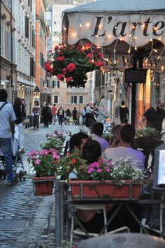 Via del Boschetto - Rome's best shopping street