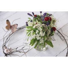 Wire wreath centerpiece