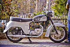 Triumph Twenty One Motorcycle Engine, Motorcycle Art, Motorcycle Design, Moto Bike, American Motorcycles, Cool Motorcycles, Vintage Motorcycles, Cafe Racer Moto, Triumph Cafe Racer