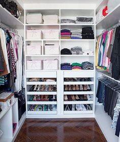 ¡Closets que querrás en tu casa ya! http://cursodeorganizaciondelhogar.com/closets-que-querras-en-tu-casa-ya/ #closets #closetsperfectos #diseñosdeclosets #diseñosdewalkingclosets #homedecor #homeideas #hometrends #Ideasparaelhogar #Ideasparalacasa #walkingclosets #¡Closetsquequerrásentucasaya!