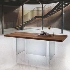 Wooden table with tempered crystal base Flai