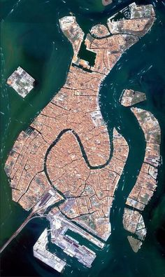 #Google #Earth shot of #Venice, see how it looks like a #fish? The #Grand #Canal goes through the middle. #Beautiful #aerial #view