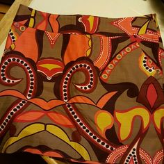 Mini skirt Rustic colors, has a lining inside and pockets in front Merona Skirts Mini