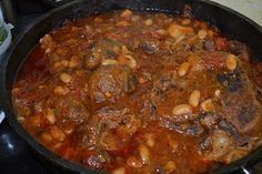 Veal Osso Bucco with Cannellini Beans Ingredients bobby veal shin, cut thick (about . I Love Food, Good Food, Yummy Food, Veal Osso Bucco, Masterchef Australia, Creamy Mashed Potatoes, Master Chef, Chef Recipes, Fabulous Foods
