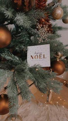 Découvrez nos cartes de Noël à glisser sous le sapin ⭐️🎄 #merrychristmas #joyeuxnoel #noel #noel2019 #christmas #cartedenoel #eucalyptus #christmascards #cards #christmas2019 #greetingcards #bonneannée #watercolor #watercolorarts #aquarelle #aquarellepainting #gifts #christmasgifts #christmasdecorations #cadeau #cadeauxdenoël