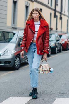 Revue en images des meilleurs looks de rue pris sur le vif par Sandra Semburg à la sortie des défilés automne-hiver 2017-2018 de Milan.