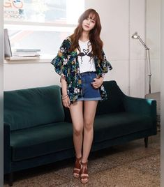 I very like this photo!😍😍💕💕 - Support you forever 😚😚😚 If you want to see more photos about Kim so Hyun, please… Kim So Hyun Fashion, Kpop Fashion, Korean Fashion, Womens Fashion, Fashion Outfits, Kim Sohyun, Kim Yoo Jung, Kim Myung Soo, Korean Actresses
