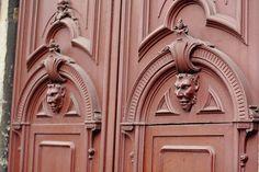 devilish door in Milan