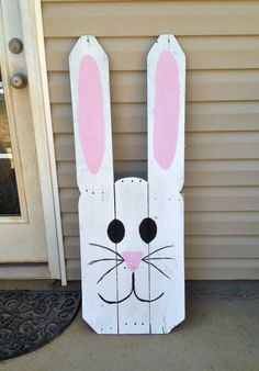 Add a country touch to your easter decor with these DIY easter wood crafts. From outdoor easter wood signs to pallet easter wood projects, there are plenty of rustic easter decorations to choose from. Easter Projects, Easter Crafts, Easter Decor, Easter Ideas, Bunny Crafts, Easter Centerpiece, Spring Projects, Diy Crafts, Garden Crafts