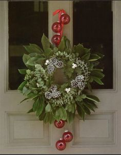 Add a bit of colour to the wreath...