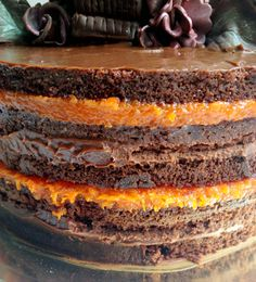 Chocolate cake with sweet pumpkin (chef Lucas Corazza) Naked Cakes, French Desserts, Chocolate Cookies, Sweet Recipes, Cheesecake, Pumpkin, Favorite Recipes, Snacks, Baking