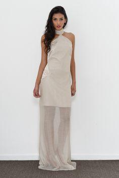 Vestido Carolina Barbosa, feito com liocel uma fibra ecologicamente correta, extraída da polpa da madeira.
