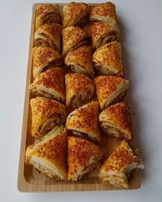 tv - nepisirsem Resources and Information. Pizza Pastry, Savory Pastry, Bread And Pastries, Arabic Food, Turkish Recipes, C'est Bon, Food To Make, Bakery, Brunch