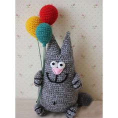 This crochet cat with balloons is an unique birthday gift for kids and adults. If you are looking to make an original gift, you came to the right place. This custom stuffed cat was made for those who appreciate unique Birthday gift. 1. This item is made to order. It will take upto 5days to