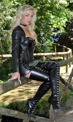 Crazy Outfits, Sexy Outfits, Sexy Dresses, Fashion Outfits, Womens Fashion, Leather Dresses, Leather Skirts, Leder Boots, High Leather Boots