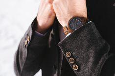 Gams PLATZHIRSCH Klassische Eleganz zeichnet das Modell Gams aus edlem Walnussholz aus. Wood Watch, Cufflinks, Accessories, Classic Elegance, Wooden Clock