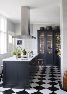 carrelage-mosaique-cuisine-damier-noir-blanc-couleurs
