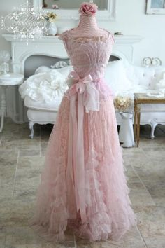 sooo pretty in pink-if I had somewhere to wear this...so nice!!