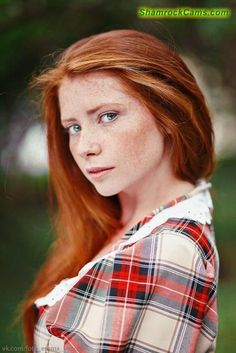photos of stunningly beautiful women. mostly redheads. each one more beautiful than the others. freckles and braces - extra hot 🔥 💓 I want them all 💓 Beautiful Freckles, Beautiful Red Hair, Gorgeous Redhead, Stunningly Beautiful, Beautiful Women, Red Freckles, Redheads Freckles, Girl With Freckles, Red Heads Women
