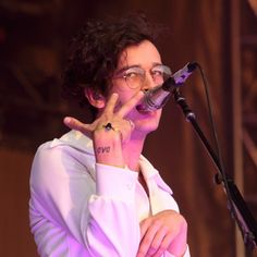 The Matty Healy, The 1975, dad /glasses / at firefly
