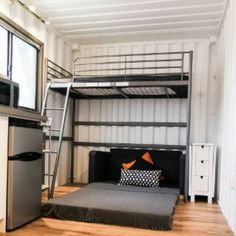 THE BEAR TINY SHIPPING CONTAINER HOME